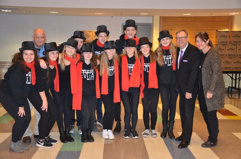An image of The Grand Theatre's High School Project performers with Wayne Dunn, Glen Pearson, and Jane Roy.